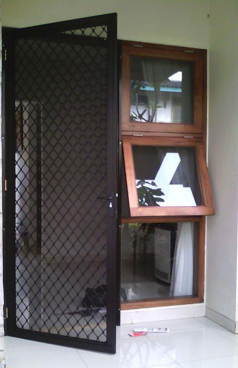 Pintu Kawat Nyamuk Aluminium | Distributor Resmi